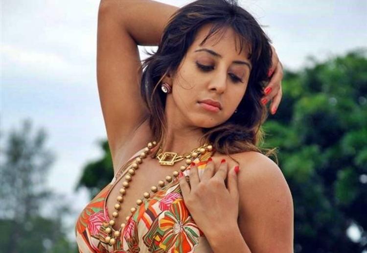 Sanjjanaa Galrani Favourite Film, Actor and Actress
