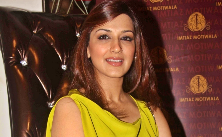 Sonali Bendre Nickname, Father name, Mother name and Family details