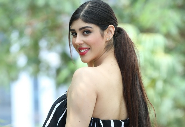 Aditi Singh Figure, Height, Weight, Hair Colour and Eye Colour