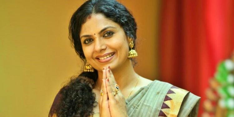 Asha Sharath-Wiki-Bio-Age-Husband-Salary-Photos-Video-News-Ig-Fb-Tw