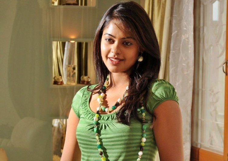 Bindu Madhavi Marital Status and Boyfriends