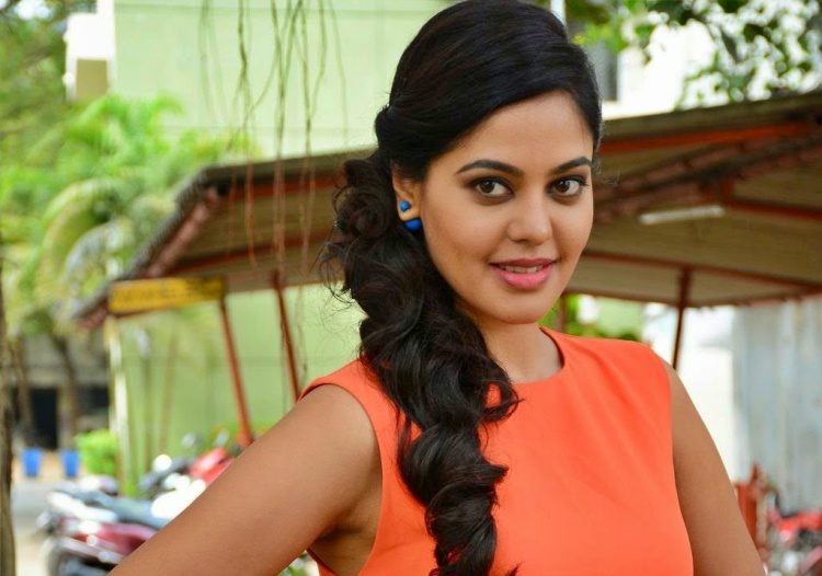 Bindu Madhavi Nickname, Father name, Mother name and Family details