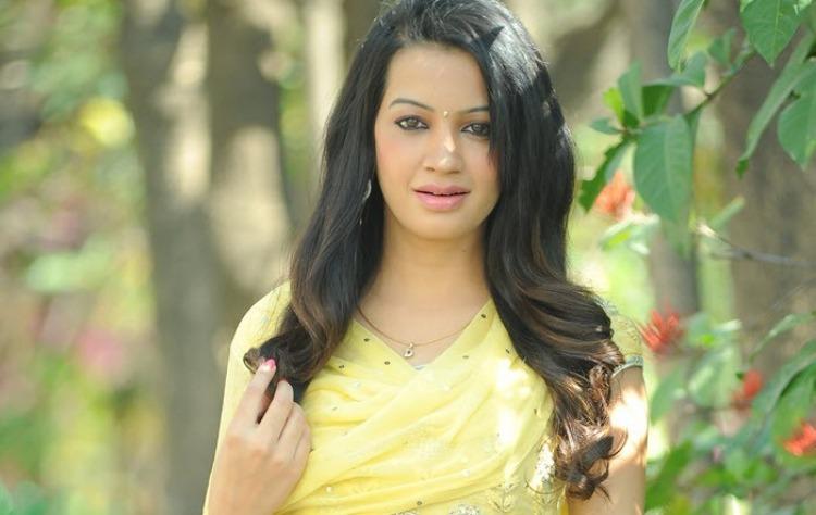 Diksha Panth -Wiki-Bio-Age-Husband-Salary-Photos-Video-News-Ig-Fb-Tw