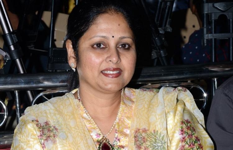 Jaya Sudha Wiki Bio Age Husband Salary Photos Videos Ig Fb Tw