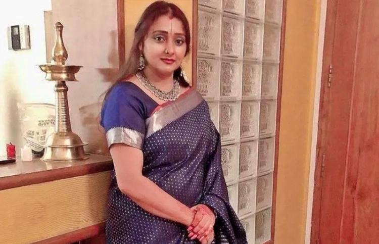 Malavikas Avinash Salary, Net worth and Remuneration