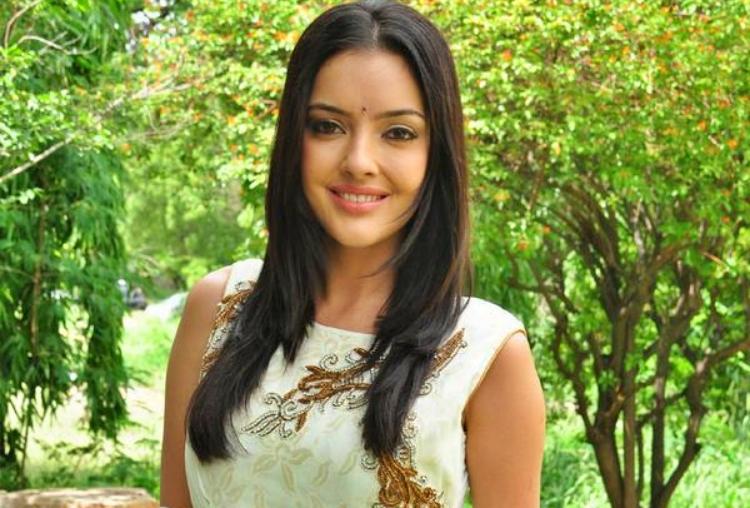 Kristina Akheeva Favourite Food, Colour, Destination and Hobbies