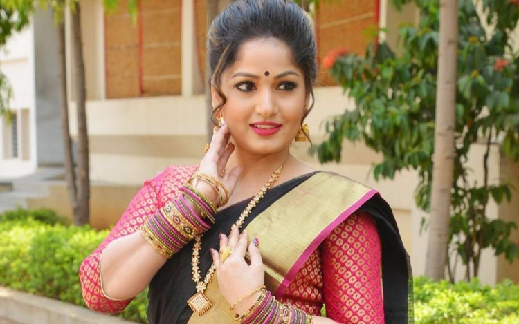 Madhavi Latha Wiki Bio Age Husband Salary Photos Videos Ig Fb Tw