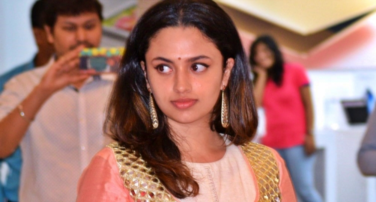 Malavika Nair Figure, Height, Weight, Hair Colour and Eye Colour