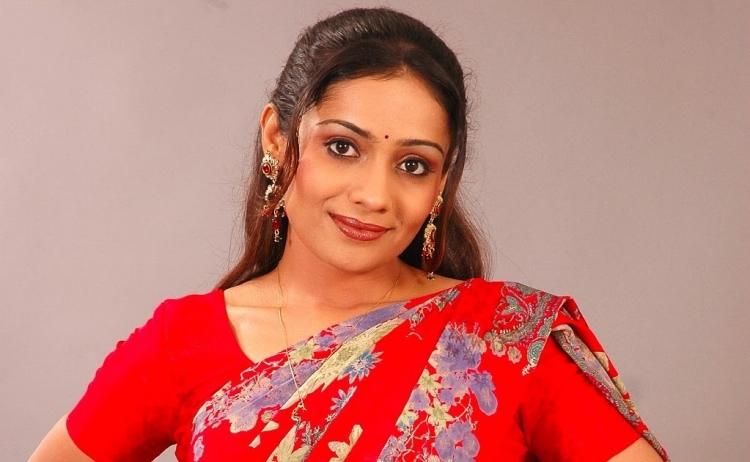 Meera Vasudevan Wiki Bio Age Husband Salary Photos Videos Ig Fb Tw