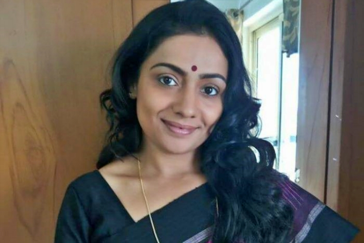 Meera vasudevan Figure, Height, Weight, Hair Colour and Eye Colour