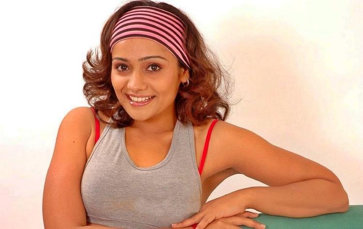 Meera vasudevan Marital Status and Boyfriends