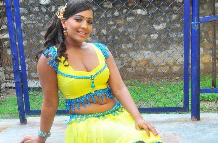 Meghna Naidu Wiki Bio Age Husband Salary Photos Videos Ig Fb Tw