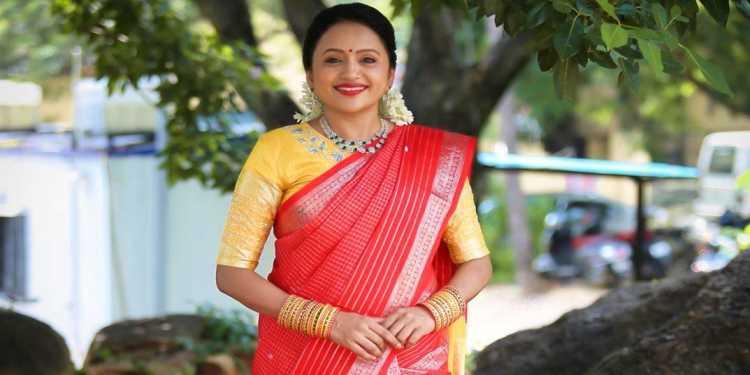Suma-Kanakala-Wiki-Bio-Age-Husband-Salary-Photos-Videos-Ig-Fb-Tw