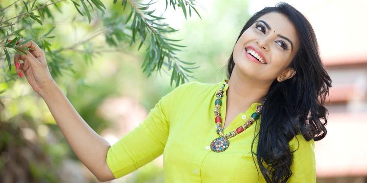Kavya Shetty Wiki-Bio-Age-Husband-Salary-Photos-Video-News-Ig-Fb-Tw