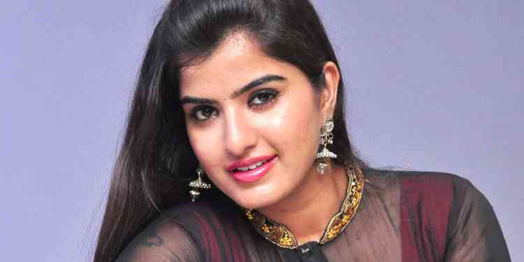 Keerthana -Wiki-Bio-Age-Husband-Salary-Photos-Video-News-Ig-Fb-Tw