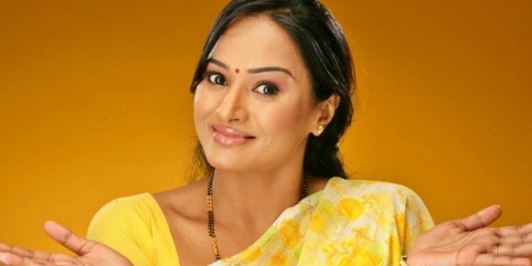 Anupama -Kumar -Wiki-Bio-Age-Husband-Salary-Photos-Video-News-Ig-Fb-Tw