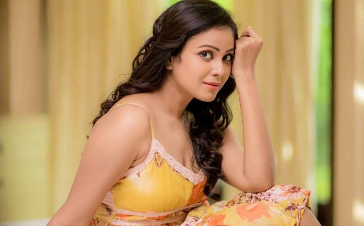 Chandini Tamilarasan Wiki-Bio-Age-Husband-Salary-Photos-Video-News-Ig-Fb-Tw
