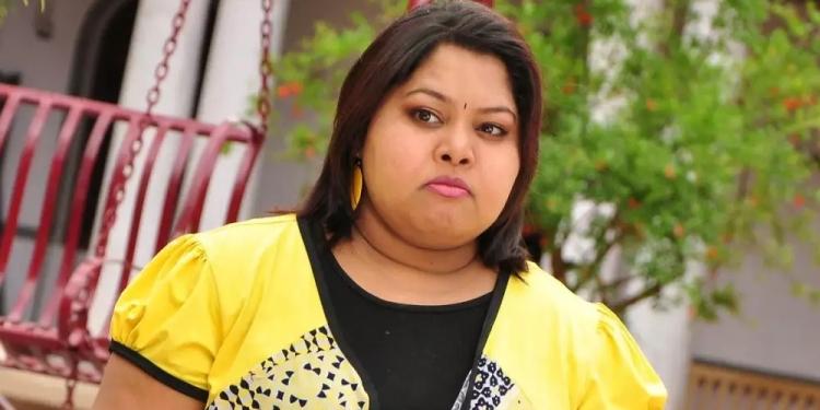 Aarthi-Wiki-Bio-Age-Husband-Salary-Photos-Video-News-Ig-Fb-Tw