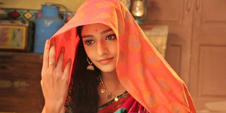 Aishwarya- Khare-Wiki-Bio-Age-Husband-Salary-Photos-Video-News-Ig-Fb-Tw
