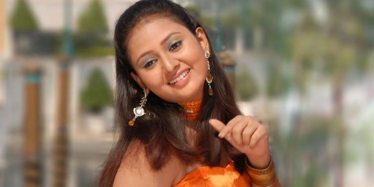 Amulya-Wiki-Bio-Age-Husband-Salary-Photos-Video-News-Ig-Fb-Tw
