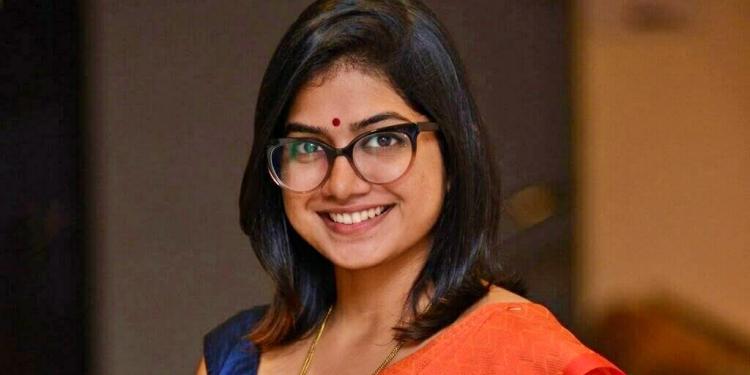 Anarkali-Marikar-Wiki-Bio-Age-Husband-Salary-Photos-Video-News-Ig-Fb-Tw