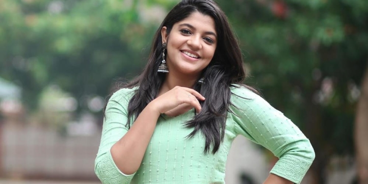 Aparna-Balamurali-Wiki-Bio-Age-Husband-Salary-Photos-Video-News-Ig-Fb-Tw