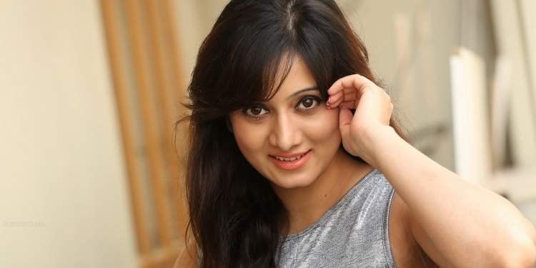 Harshika-Poonacha-Wiki-Bio-Age-Husband-Salary-Photos-Video-News-Ig-Fb-Tw