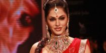 Isha Koppikar Wiki Bio Age Husband Salary Photos Video News Ig Fb Tw