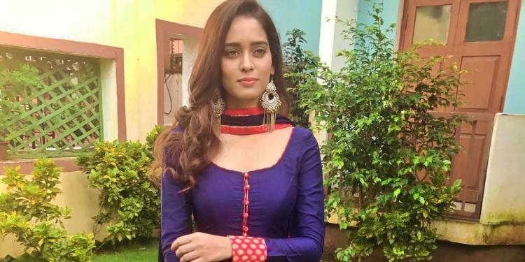 Neha-Saxena-Wiki-Bio-Age-Husband-Salary-Photos-Video-News-Ig-Tw