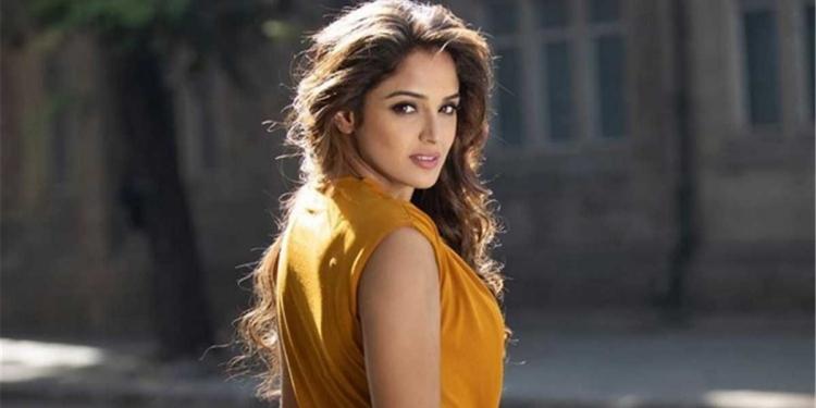 Asmita Sood Wiki Bio Age Husband Salary Photos Videos News Ig Fb Tw