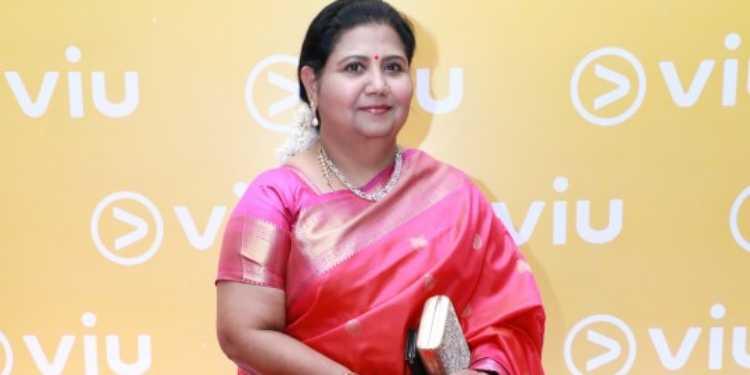 Kutty Padmini Wiki Bio Age Husband Salary Photos Videos Ig Fb Tw