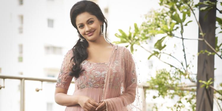 Pooja Kumar Wiki Bio Age Husband Salary Photos Videos News Ig Fb Tw