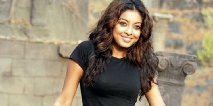 Tanushree Dutta Wiki Bio Age Husband Salary Photos Videos News Ig Fb Tw